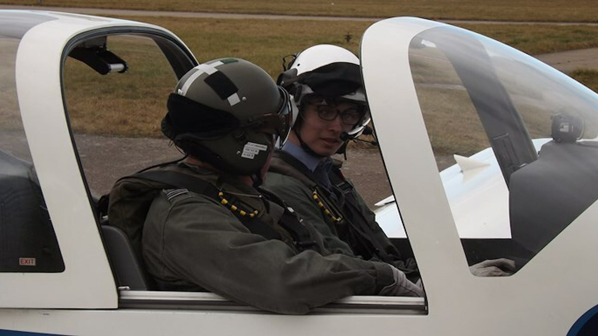 Connor in the aircraft chatting with the pilot small 1