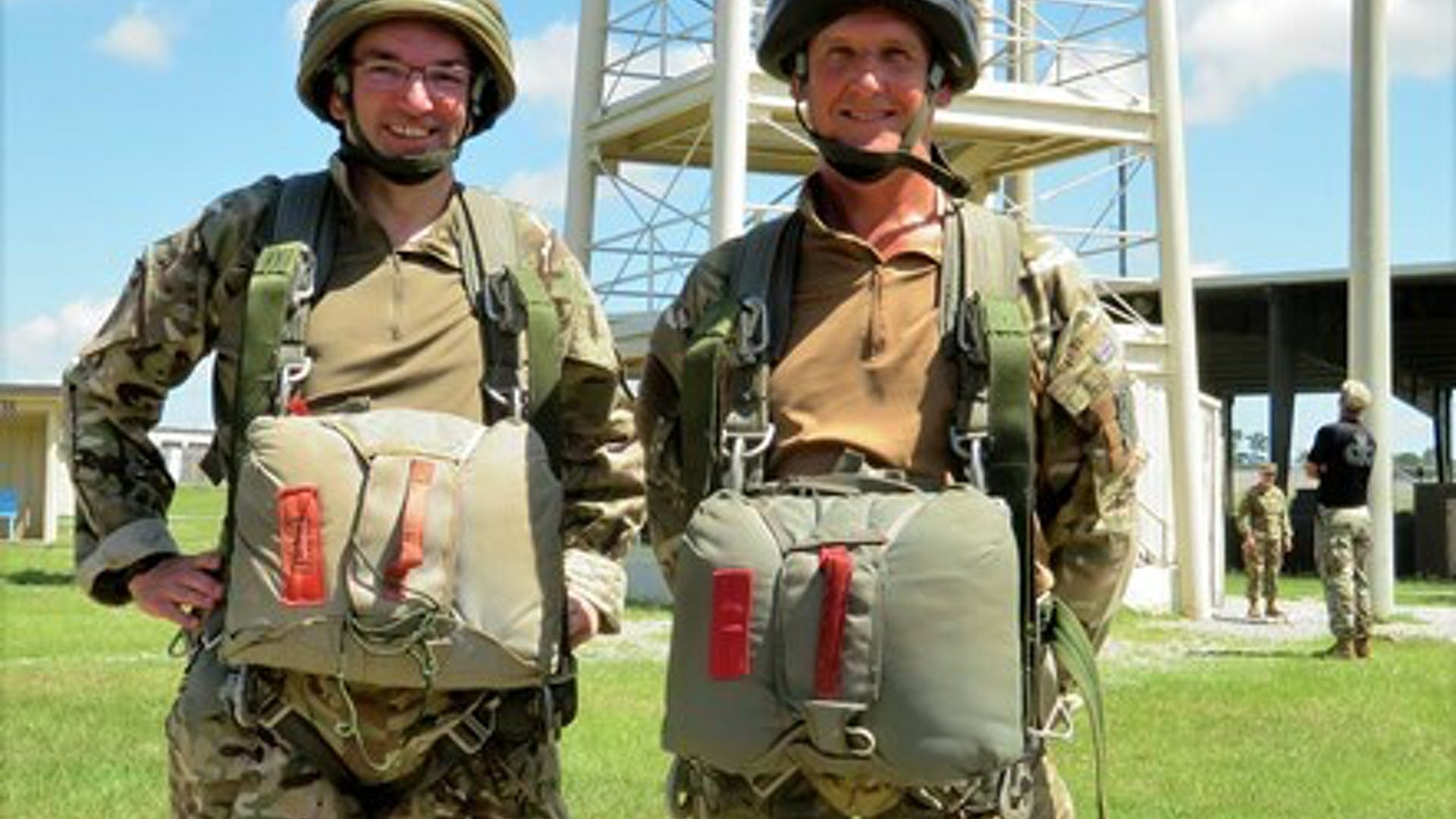 Lt Col Godfrey and Maj Pooley read to jump from the 34ft towers small 1